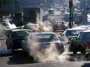 Выхлопы газов автомобилями