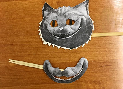 Фигурка улыбки кота