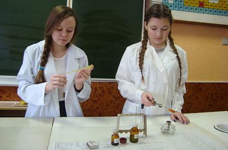 Опыты на уроке химии в школе