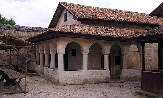 Караимская кенасса XVI век