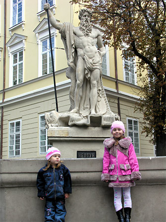 Статуя во Львове
