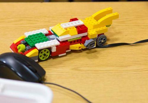 строим робота