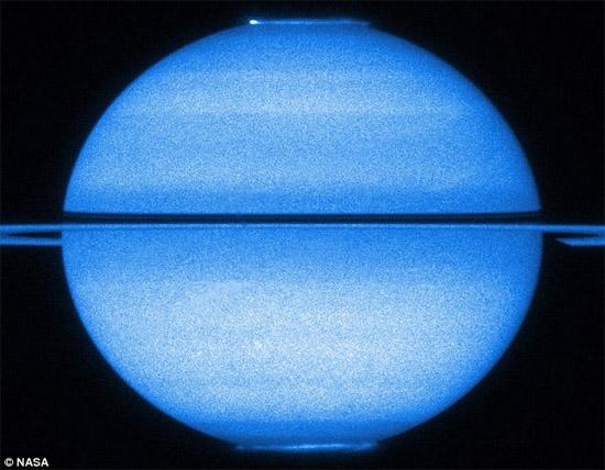 фото Сатурна с телескопа Хаббл